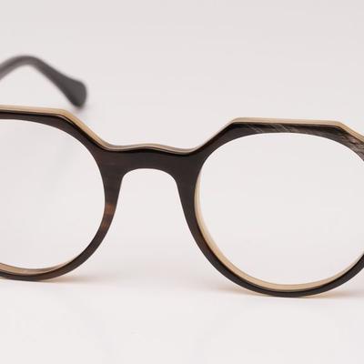 Büffelhornbrillen